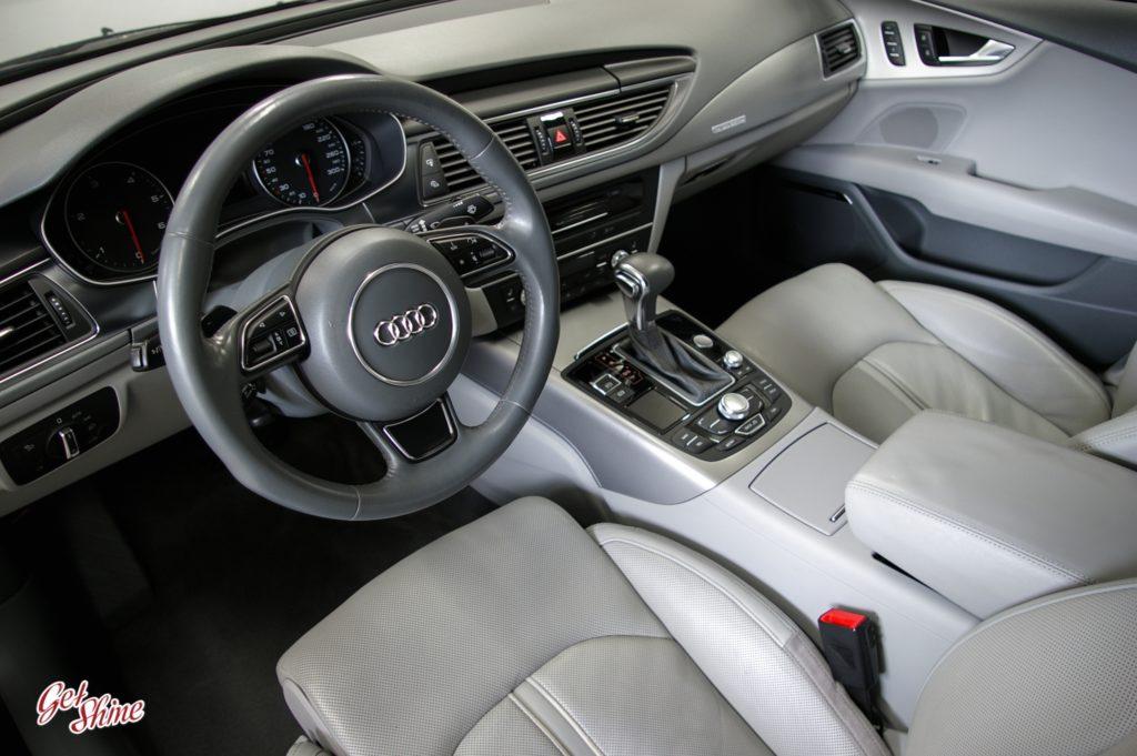 Czyste wnętrze Audi A7