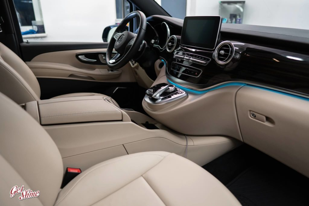 Detailing wnętrza Mercedesa V-klasa