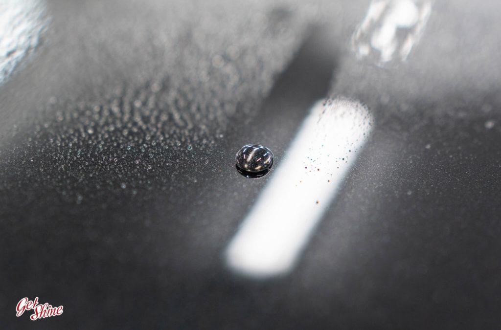 Efekt hydrofobowy po zabezpieczeniu lakieru