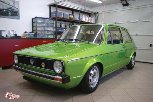 Golf MK1 – korekta lakieru, aplikacja wosku Swissvax Concorso