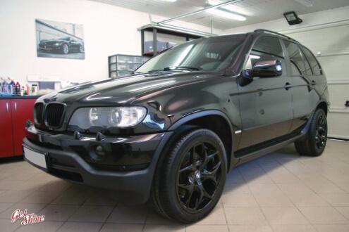 BMW X5 – Pełna korekta lakieru, zabezpieczanie powłoką kwarcową