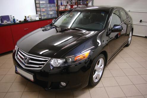 Honda Accord – korekta lakieru, wosk Zymol Carbon