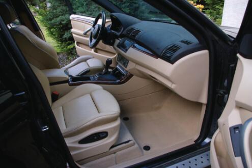 BMW X5 detailing wnętrza, czyszczenie tapicerki skórzanej