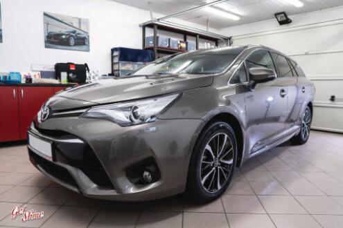 Toyota Avensis – powłoka ochronna, zabezpieczenie nowego auta