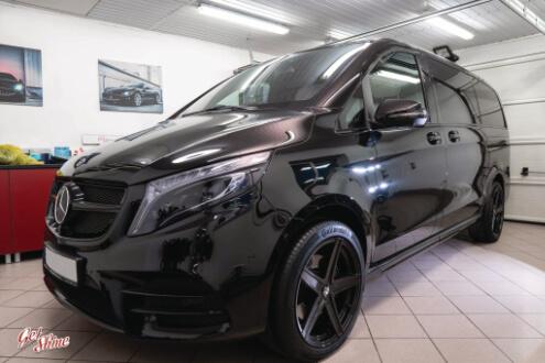 Mercedes V-klasa – korekta lakieru, zabezpieczenie woskiem